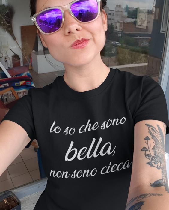 Maglietta divertente bella ma non cieca